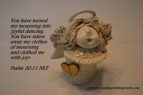 ps-30-ceramic-angel-joy